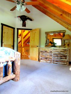 A Nichols Home Visit illustrates the owner's love of nature captured stone and wood, allowing the home to blend harmoniously with its environment. Log Home Bedroom, Bedroom Decor, Loft Bedrooms, Cute Bedroom Ideas, Beautiful Bedrooms, Log Homes, Choices, Construction, Wood