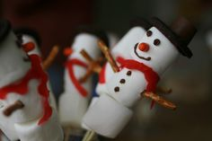 Whip up these 4 Holiday classroom treats with your kids today!