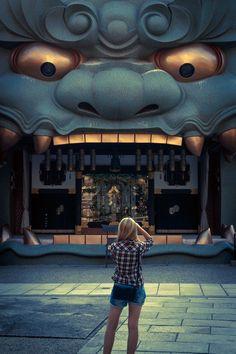 Lion stage 獅子舞台 難波八阪神社 Namba yasaka shrine OSAKA, JAPAN