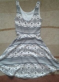 Kup mój przedmiot na #vintedpl http://www.vinted.pl/damska-odziez/krotkie-sukienki/14215184-sukienka-dziewczeca-biala-w-czarne-wzorki
