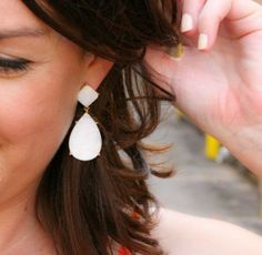 White statement earrings #Colgate #OpticWhite #WeddingMonth http://bit.ly/1lc9DHM