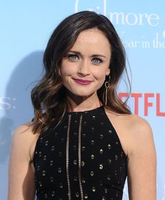 The hair products Rory Gilmore uses include Not Your Mother's Beach Babe Soft Waves Sea Salt Spray and Knotty to Nice Conditioning Detangler. It's safe to say Rory likes to keep her hair soft and silky, but with a little texture.