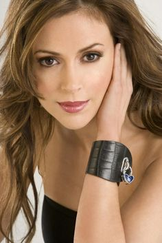 Alyssa Milano - I have always thought she was beautiful and I love her make up in this shot