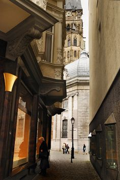 One of the narrow little streets on the way to the Aachen Cathedral, a must visit while in Aachen, Germany.