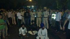 Sikh attacked with acid in Delhi; Hairs cut forcibly, auto-rickshaw burnt - http://sikhsiyasat.net/2014/09/16/sikh-attacked-with-acid-in-delhi-hairs-cut-forcibly-auto-rickshaw-burnt/