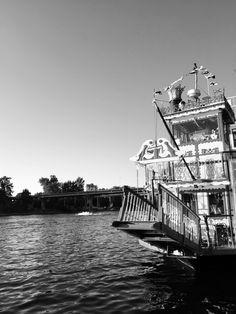 Willamette Queen boat on the Willamette River Salem Oregon