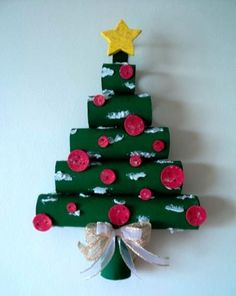 Cómo hacer árbol de Navidad de pared con tubos de cartón. Más ideas para reutilizar los tubos que vienen debajo del papel del baño y cocina.