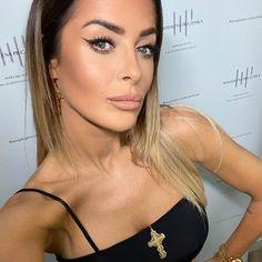Magda Pieczonka (@magdapieczonkamakeup) • Zdjęcia i filmy na Instagramie Make Up, Instagram, Fashion, Moda, Fashion Styles, Makeup, Beauty Makeup, Fashion Illustrations, Bronzer Makeup