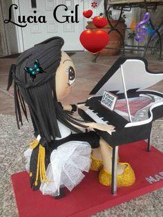 Fofucha pianista en Goma Eva.