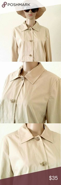 Banana Republic Womens Beige Trench Coat Style Size: L LARGE 100% Cotton In Very good condition!! Very adorable!! A great gift!! Fast shipping!! Banana Republic Jackets & Coats Trench Coats