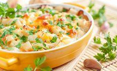 Teglia di patate arrosto con formaggi ed erbe aromatiche