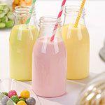 Durchsichtige Milchflaschen aus Plastik