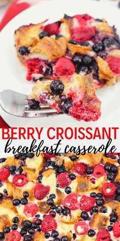 Made with fresh raspberries and blueberries, the Berry Croissant Breakfast Casse. - Dine Dream Discover - Made with fresh raspberries and blueberries, the Berry Croissant Breakfast Casserole Recipe can be - Croissant Breakfast Casserole, Christmas Breakfast Casserole, Christmas Morning Breakfast, Blueberry Breakfast, Bacon Breakfast, Blueberry Pancakes, Free Breakfast, New Year's Desserts, Delicious Desserts