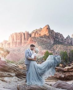 Desert Wedding Inspiration at Zion National Park (Green Wedding Shoes) Green Wedding Shoes, Blue Wedding, Dream Wedding, Wedding Day, Wedding Desert, Cactus Wedding, Hipster Wedding, Sedona Wedding, Arizona Wedding