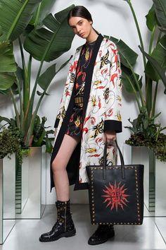 Fausto Puglisi Resort 2018 Fashion Show Collection Bold Fashion, Fashion 2018, Fashion Week, Urban Fashion, Fashion Brand, Runway Fashion, Fashion Outfits, Womens Fashion, Bohemian Fashion