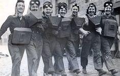 Women who were trained as welders in July 1943 Diy Welding, Metal Welding, Welding Projects, Welding Ideas, Welding Rigs, Welding Tools, Metal Projects, Diy Projects, Welding Women