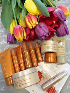 What is inside my magic box?Arbonne RE9 Advanced Anti-Aging Collection Travel Set contains 11 products...so perfect...so beautiful....