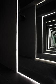 Capital Hotel, Mexico City by Joseph Dirand play of light again. Design Set, Design Hall, Light Luz, Joseph Dirand, Licht Box, Monochrom, Light Effect, Light Installation, The Doors