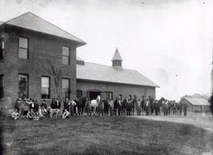 Ohio State University veterinary college, circa 1900; source: OSU Archives @BuckeyeHistory Veterinary Colleges, School Admissions, Ohio State University, College Hacks, Street View, Tips, Travel, Viajes, Destinations