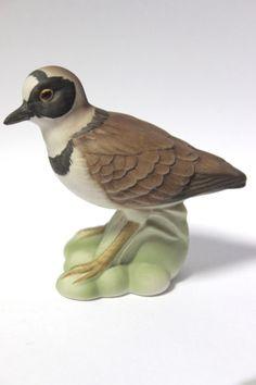 Porzellan Figur der Marke Goebel Vogel des Jahres 1993, Nummer 38 209 08 Guter gebrauchter Zustand Abmessung ca. H=7 cm