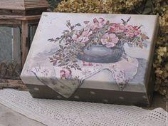 Baskets, Boxes for handmade.  Most casket for needlework