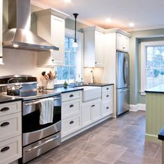Kitchen Photos Grey Tile Floor Design Ideas, Pictures, Remodel, and Decor - page 4