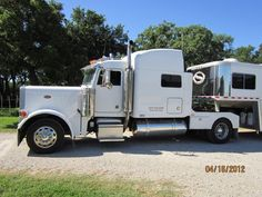2004 Peterbilt 379 Peterbilt 379, Peterbilt Trucks, Rv Truck, Custom Big Rigs, 5th Wheels, Horse Trailers, Big Trucks, Buses, Campers