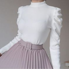 Modest Outfits, Modest Fashion, Stylish Outfits, Fashion Dresses, Street Hijab Fashion, Hijab Fashionista, Muslim Women Fashion, Fairytale Fashion, Sleeves Designs For Dresses