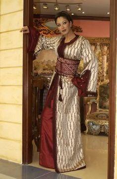 モロッコ : 【全身画像】世界の民族衣装ざっくりまとめ 女性編 - NAVER まとめ
