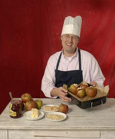 Dokumentar Matthias Albaum ist berühmt für seine leckeren Advents-Bratäpfel…