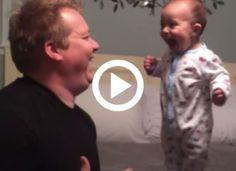 A baba egy valódi akrobata mutatványt visz véghez az apukájával, közben nem tudja abbahagyni a nevetést Baba, Tips