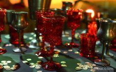 As taças ganham as cores dourado e vermelho