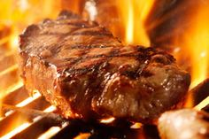 Can We Guess Your Favorite Food You got: Steak! Steak is awesome! That's some really decent food, and probably means you're a really awesome person. Grilling The Perfect Steak, How To Grill Steak, Cooking Temp For Beef, Cooking Beets, Cooking Ham, Hacks Cocina, Mixed Grill, Food Porn, Ribs On Grill