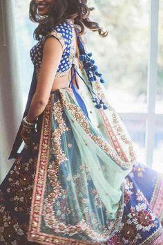 dresses Modern Indian wedding sari Wedding - Make a Memorable Ceremony Wedding is a memorable ceremo Indian Wedding Sari, Indian Wedding Outfits, Indian Bridal, Wedding Dresses, Indian Outfits Modern, Indian Fashion Modern, India Wedding, Punjabi Wedding, Desi Wedding