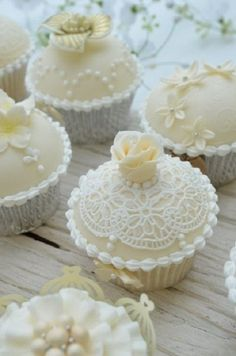 Lace cupcakes # Neutral Wedding ... Wedding ideas for brides, grooms, parents & planners ... https://itunes.apple.com/us/app/the-gold-wedding-planner/id498112599?ls=1=8 … plus how to organise an entire wedding ♥ The Gold Wedding Planner iPhone App ♥