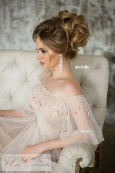 Coiffure De Mariage : Featured Hairstyle: Elstile;Â www.elstile.ru; Wedding hairstyle idea....