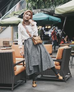 Casual Hijab Outfit, Hijab Chic, Casual Wear, Ootd Hijab, Casual Pants, Street Hijab Fashion, Muslim Fashion, Fashion Outfits, Womens Fashion