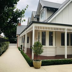Obsessed with verandahs.especially wraparound ones! Australian Homes, House Design, House Painting, New Homes, Hamptons House, Beautiful Homes, Building A House, Exterior House Colors, Cottage Renovation