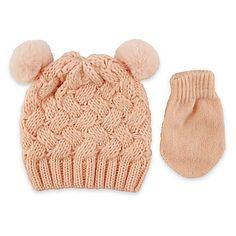 Rising Star's Newborn Textured Beanie and Mitten Set comes in a pretty pink with bear accents for your sweet girl. These coordinating pieces are made with a chic, chunky knit and will keep your baby warm and adorable.