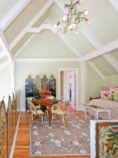Kirstie Alley's Maine Cottage | Pretty Old Houses