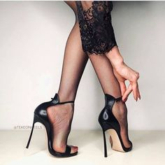 Sexy Legs And Heels, Hot Heels, Sexy High Heels, Womens High Heels, Stockings Heels, Nylons Heels, Stiletto Heels, Talons Sexy, Beautiful High Heels