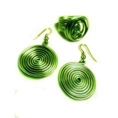 Conjunto de bisuteria con pendientes y anillo de alambre verde