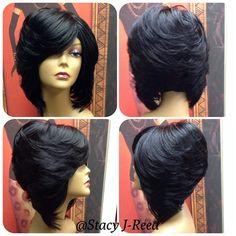 45 Ideas For Haircut Bob Layered Side Bangs Layered Bob Hairstyles, Black Girls Hairstyles, Hairstyles With Bangs, Weave Hairstyles, Bangs Hairstyle, Short Haircuts, Layered Side Bangs, Feathered Bob, Hair Colors