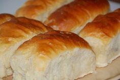 Foszlós békebeli lekváros bukta recept: falun így készítik a nénik - Recept | Femina Hungarian Recipes, Sweet Cakes, Croissant, Hot Dog Buns, Cake Recipes, Recipies, Food And Drink, Treats, Cookies