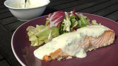 Salmon with yogurt sauce