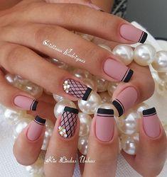 💅 Cristiana Rodrigues Esmalte com bala de leite, Dailus. Crazy Nails, Fancy Nails, Cute Nails, Stylish Nails, Trendy Nails, Cute Acrylic Nails, Gel Nails, Music Nails, Bright Pink Nails
