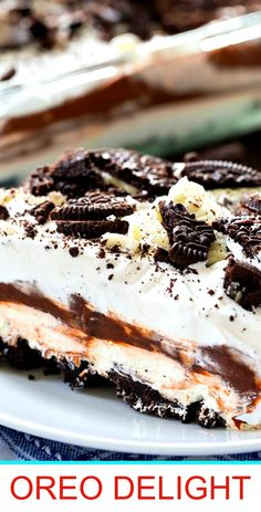 No-Bake Oreo Delight- a cool and creamy potluck dessert with 4 layers. Icebox Desserts, 13 Desserts, Potluck Desserts, Oreo Dessert, Eat Dessert First, Sweets Recipes, Picnic Potluck, Potluck Recipes, Oreo Delight