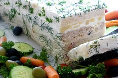 Who remembers the Party Sandwich Loaf? It was popular in the Several years ago my mother in law hosted… Who remembers the Party Sandwich Loaf? It was popular in the Several years ago my mother in law hosted… Sandwich Melts, Sandwich Loaf, Sandwich Recipes, Tea Party Sandwiches, Cold Sandwiches, Party Food Buffet, Party Dishes, Finger Foods For Kids, Party Finger Foods