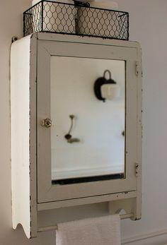 Uk Apothicaire Bathroom Cabinet Vintage Bathrooms Shabby Chic Bathroom