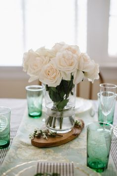 A Mother's Day Brunch Tablescape | theglitterguide.com